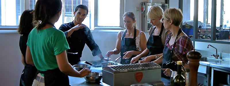 Cours cuisine d tente kitchen studio - Cours de cuisine boulogne billancourt ...